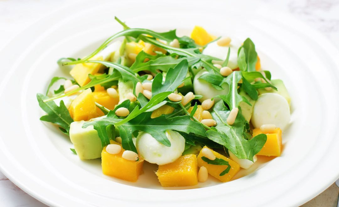 SALADE MANGUE MOZZA AVOCAT