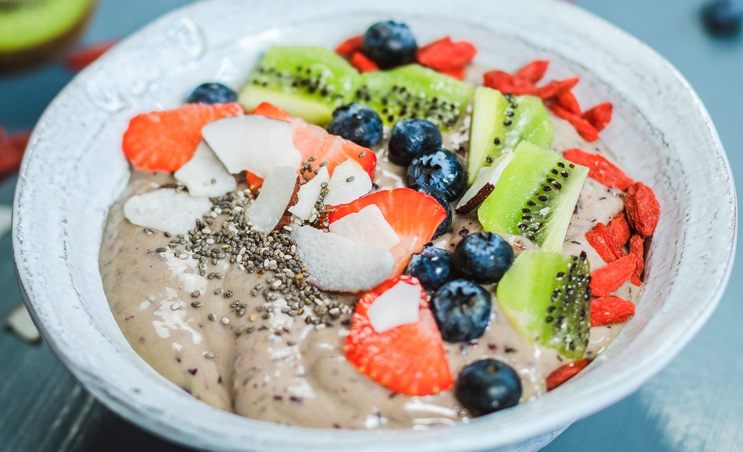 Smoothie bowl aux myrtilles